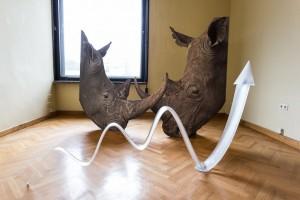 Katja Novitskova, Aktyvavimo modelis (Raganosiai), 2014. Lewben Art Foundation, Kraupa - Tuskany Zeidler ir menininkės nuosavybė. Foto: Remio Ščerbausko
