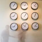 """Katie Paterson, Laiko kūriniai (Saulės sistema), 2014. Menininkės ir """"Parafin"""" galerijos nuosavybė. Foto: Remio Ščerbausko"""