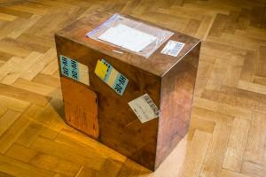 Walead Beshty Copper (FedEx® Kraft Box ©2005 FEDEX 157872 REV 10/05 SSCC), International Priority, Los Angeles-Geneva, trk#860603386371, March 9, 2011 - March 14, 2011, International Priority, Geneva-Kaunas, trk#803581825107, September 2, 2015 – September 8, 2015 Polished copper, accrued FedEx shipping and tracking labels 12 x 20 x 20 inches (30.5 x 50.8 x 50.8 cm) WB 162 Courtesy ofStéphane Ribordy. Photo: Remis Ščerbauskas